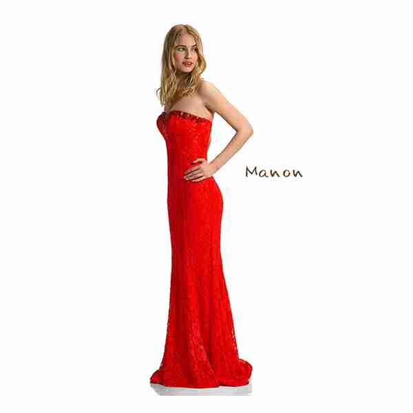 w4-red-dress-zoom-out